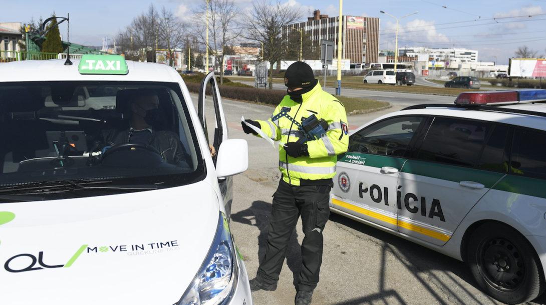 polícia kontrola opatrenia
