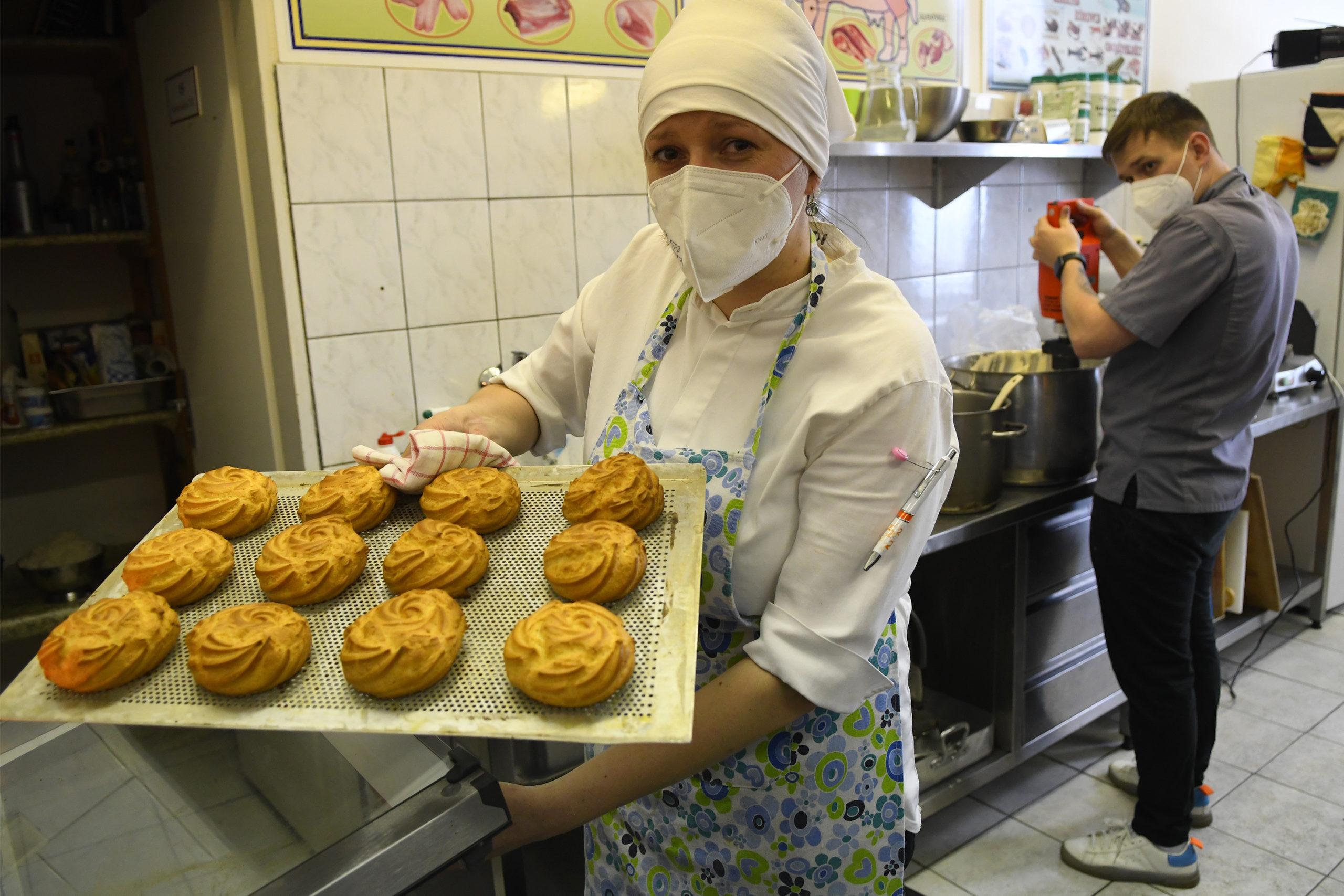 pekarka, práca, žena