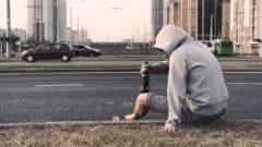 Alkohol,muž, ulica