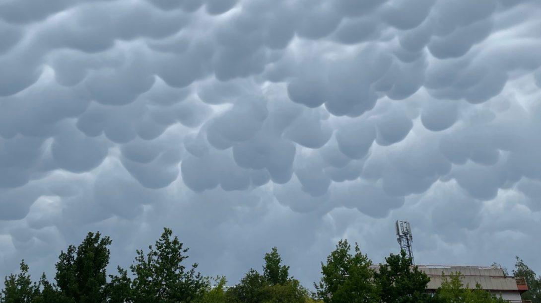Slovensko počasie oblaky búrka
