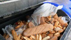 plytvanie potravinami odpad pečivo