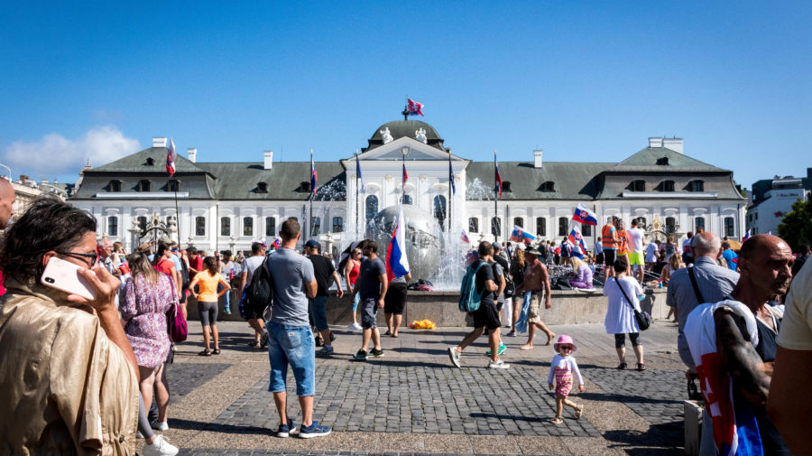 protesty ba prezidentsky palac