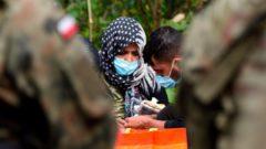Poľský premiér Bielorusko obvinil zo zneužívania migrantov na hraniciach