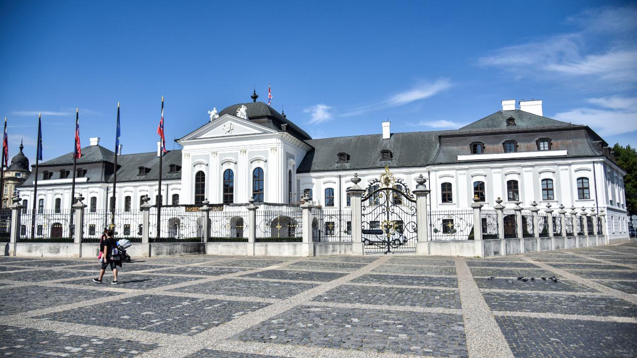Na snímke Grasalkovičov palác alebo Prezidentský palác na Hodžovom námestí 10. septembra 2020 v Bratislave. Od roku 1996 v nej sídli prezident Slovenskej republiky.