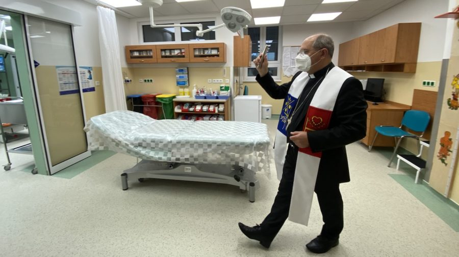 nemocnica kňaz farár