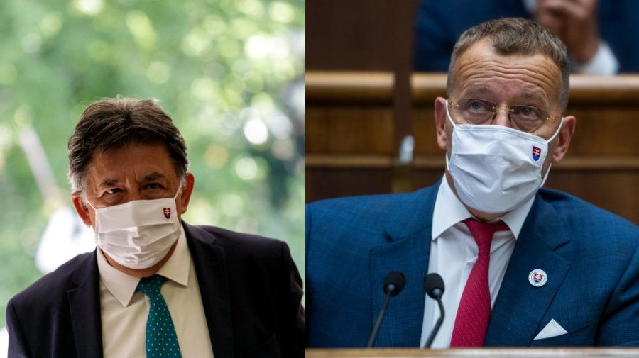 Na snímke minister životného prostredia SR Ján Budaj (OĽaNO). Na snímke predseda Národnej rady SR (NR SR) Boris Kollár (Sme rodina).